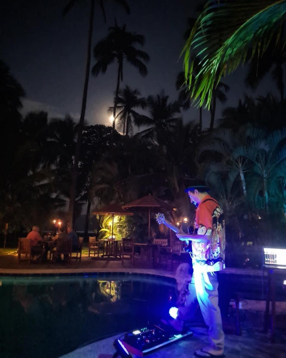 nightlife14